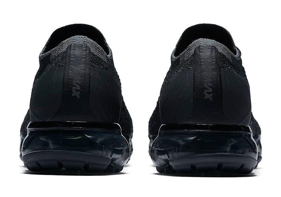 NIKE AIR VAPORMAX TRIPLE BLACK(849558-007)